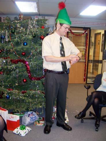 The-Office-Christmas-Photos-01