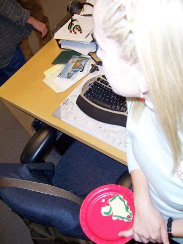The-Office-Christmas-Photos-02