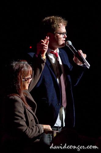 Rainn Wilson introduces tanster
